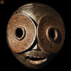 Ibibio mask, Nigeria •●