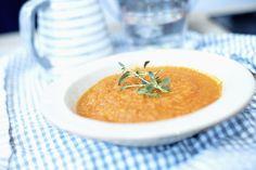 Tomat- og gulrotsuppe med pasta
