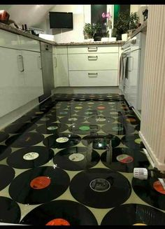 Vinyl kitchen flooring is a very popular choice by homeowners. Vinyl kitchen flooring offers many benefits to the homeowner who has children, pets, or lives an active lifestyle. These floors are ve… Best Flooring, Kitchen Flooring, Ceramic Flooring, White Flooring, Garage Flooring, Linoleum Flooring, Bedroom Flooring, Flooring Ideas, Music Decor