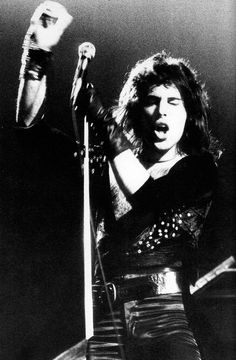 Website dedicated to one of the greatest and most influential artists of all time – Freddie Mercury John Deacon, Queen Love, Save The Queen, Rock Queen, Queen Freddie Mercury, Great Bands, Cool Bands, Bryan May, Queen Brian May