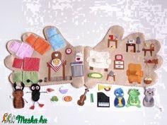 Kesztyűmese interaktív ujjbábkészlet (Jam81) - Meska.hu Winter Crafts For Kids, Diy For Kids, Felt Crafts, Diy And Crafts, Felt Kids, Felt House, Quiet Book Patterns, Felt Quiet Books, First Birthday Gifts