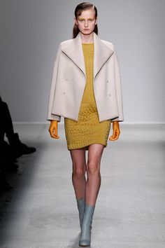 Christian Wijnants Fall 2014 Ready-to-Wear Collection Slideshow on Style.com #mfw #runway #fw2014