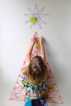 Árbol de Navidad hecho con hilo para los niños DIY