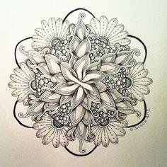 Didisch website: Zendala 38 en 2 strings Love this Future Tattoos, Love Tattoos, Beautiful Tattoos, Tattoos For Women, Tatoos, Best Female Tattoos, Et Tattoo, Tattoo Henna, Mandala Tattoo