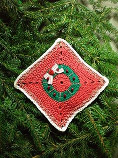 Cute Christmas potholder, I wish the pattern or tutorial was included!