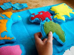Handmade Montessori Work - Wool Felt Continent Geography learning tool by Aly Parrott on Etsy. via Etsy Diy Montessori, Montessori Classroom, Montessori Toddler, Montessori Materials, Montessori Activities, Montessori Bedroom, Montessori Education, Baby Activities, Baby Education