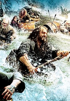And, once again, Kili is enjoying the barrel ride way too much while Thorin is still being all majestic. XD