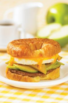 150 Best Breakfast Sandwich Maker Recipes by Jennifer Williams Breakfast Sandwich Recipes, Delicious Breakfast Recipes, Yummy Food, How To Make Breakfast, Breakfast Time, Sandwich Maker Recipes, Air Fryer Recipes Breakfast, Desert Recipes, Food Hacks