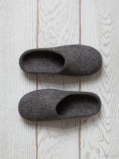 Men slippers with soles Felted slippers Organic by FeltStudioVART