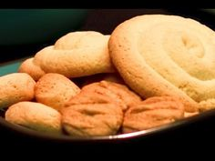 Guam roskette recipe, roskette video and roskette picture tastes like the cookies used in the Latin American Argentinian alfajores