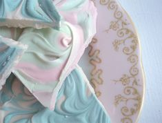 Such Pretty Things: Sweet Treats. great for Easter, but I would use a different flavor. the blogger used peppermint.