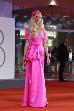 Festival Looks, Film Festival, Christian Dior Gowns, Gucci Gown, Anya Taylor Joy, Green Gown, Italian Actress, Mermaid Gown, Red Carpet Looks
