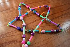 Pink and Green Mama: Homemade Christmas Crafts: Drinking Straw and Bead Stars -- sg craft idea? Childrens Christmas Crafts, Homemade Christmas Crafts, Christmas Trees For Kids, Christmas Holidays, Celebrating Christmas, Bead Crafts, Arts And Crafts, Kids Crafts, Drinking Straw Crafts