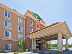 St. Augustine (FL) Holiday Inn Express and Suites Saint Augustine North United States, North America Located in Outlet Mall, Holiday Inn Express and Suites Saint Augustine Nor is a perfect starting point from which to explore St. Augustine (FL). Featuring a complete list of amenities, guests will find their stay at the property a comfortable one. Service-minded staff will welcome and guide you at the Holiday Inn Express and Suites Saint Augustine Nor. Comfortable guestrooms en...