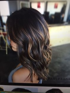 77 flattering balayage hair color ideas for 2019 00106 Brown Hair Balayage, Brown Ombre Hair, Brown Hair With Highlights, Light Brown Hair, Hair Color Balayage, Brown Hair Colors, Balayage Hair Brunette Medium, Fall Hair Color For Brunettes, Short Balayage