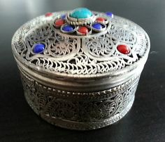 Rare Middle east snuff box silver and white copper alloy turquoise stone Arabian Turquoise Stone, Middle East, Baby Items, Coupons, Bottles, Copper, Box, Silver, Stuff To Buy