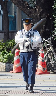 Hot Policemen in Uniform Police Cops, Police Officer, Leather Dresses, Asian Men, Firemen, Captain Hat, Army, Japan, Fashion