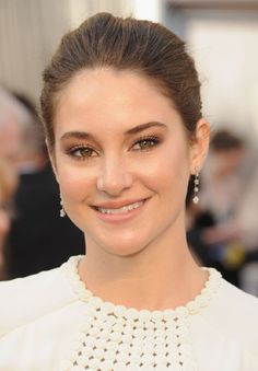 Shailene Woodley {Great natural looking makeup}
