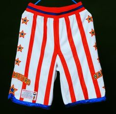 Finish your uniform with the official Harlem Globetrotters game shorts.