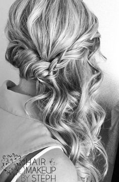 Curled half updo swept to the side @Tanis Lavallee Lavallee Lavallee Lavallee Lichti sooo pretty eh?!