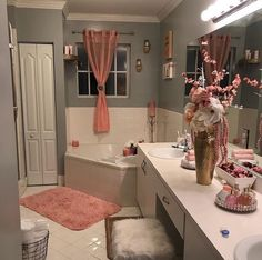 Simple and Futuristic Bathroom Remodeling Ideas bathroomremodeling bathroomideas bathroomdesign ~ Home Design Ideas 789959590872119757 Dream Bathrooms, Dream Rooms, Small Bathroom, Girl Bathrooms, Master Bathroom, Home Design, Design Ideas, Christmas Bathroom, First Apartment Decorating