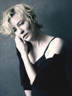 Cate Blanchett in a Giorgio #Armani cardigan and skirt