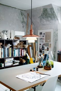 The Creative's Home Office - 7 tips to create a creative space - Making your Home Beautiful Creative Home, Creative Studio, Home Office Design, House Design, Interior And Exterior, Interior Design, Studio Interior, Workspace Inspiration, Office Workspace