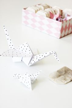 Diy Origami, Blog, Home Decor, Homemade Home Decor, Blogging, Interior Design, Home Interiors, Decoration Home, Home Decoration