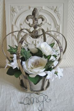 Table centre idea, fill with faux/real flowers, none of the crowns need to match French Decor, French Country Decorating, Crown Decor, Wood Circles, Table Centers, Real Flowers, The Crown, Decorating Your Home, Flower Arrangements