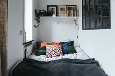 We love a teeny apartment that proves that you can have it all in a small space.