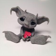~*Baby Gargoyle*~ Art Dolls by Patricia Hedegaard ✯✯✯✯✯✯✯✯✯✯✯✯✯✯✯✯✯✯✯✯✯✯✯✯✯✯ Poor little broken heart :( This wee Gargoyle is so sad.