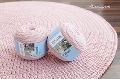Virkattu matto Novita Strömsö Tarvitset: Virkkuukoukun käsialan mukaan, suositus 8 mm Novita Strömsö trikookudelankaa (8... Crochet Mat, Crochet Stars, Crochet Home, Crochet Slippers, Diy Home Crafts, Crochet Fashion, Handicraft, Needle Felting, Crochet Patterns