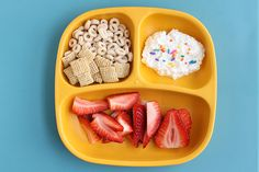 Best toddler breakfast ideas that you actually have time to make on a busy weekday. #toddlerbreakfast #toddlermeals #toddlers