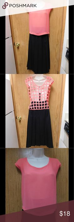 Divine Pink Crop Top W/Back Cage Design NWOT. This crop top is really cute and elegant. Soft and comfy material. Gorgeous color and exquisite design. Size Large. Save $$$ on bundles. Tops Crop Tops