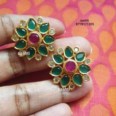 Indian Bridal Jewelry Sets, Indian Jewelry Earrings, Bridal Jewellery, Fashion Earrings, Diamond Jewelry, Gold Jewelry, Fashion Jewelry, New Gold Jewellery Designs, Gold Designs