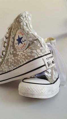 All Star converse: handmade customization using pizzo and white studs.  Glamourize@ectarget.