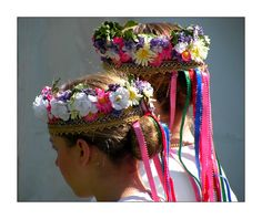 Ukrainian Headdress - traditionally made with fresh flowers, ribbons, embroidered bands. LOVE THIS!
