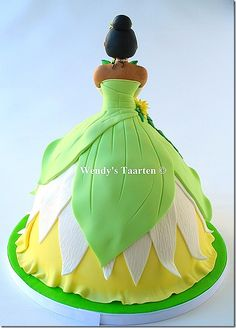 3 D Tiana Princess and the Frog cake Disney Princess Tiana, Frog Princess, Princess Birthday, Princesa Tiana, Frog Cakes, Barbie Cake, Princess Costumes, Specialty Cakes, Disney Dresses
