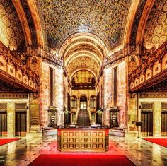 Woolworth Building, a 100 year old New York City Landmark, is Offering Special Tours Beautiful Architecture, Beautiful Buildings, Architecture Exam, Woolworth Building, New York Landmarks, New York Tours, Expensive Houses, Big Houses, Best Cities