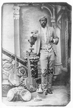 Lew Snowden of the Snowden Family Band. Scanned from Way up North in Dixie: A Black Family's Claim to the Confederate Anthem by Howard L. Banjo Boy, Photography Movies, Vintage Photography, Minstrel Show, African Traditions, Band Pictures, Historical Photos, Historical Clothing, Music People