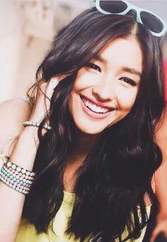 """Liza Soberano Fans  Sep 25 """"And in her smile I see something more beautiful than the stars. Cute Woman, Pretty Woman, Pretty People, Beautiful People, Lisa Soberano, Girls World, Her Smile, Beautiful Smile, Fall Hair"""