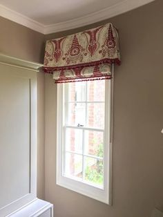 Roman Blind and Sheer Roller blind, both hung underneath a Straight ...