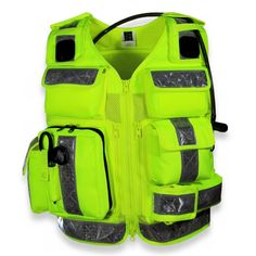 Keep equipment at hand with new response vest - Emergency Services Times Emergency Response Team, Camisa Polo, Cool Gear, Search And Rescue, Emergency Vehicles, Fire Department, Tactical Gear, Firefighter, Ems
