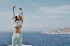 The Super Flattering Sweater Trend Every Athleisure Lover Is Wearing This Fall Pilates Workout, Gym Workouts, Cropped Sweater, Cropped Jumpers, Modest Fashion, Dance Wear, Athleisure, Yoga Fitness, Croatia