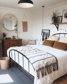 A mix of mid-century modern bohemian and industrial interior style. Home and 2019 A mix of mid-century modern bohemian and industrial interior style. Home and apartment decor decoration ideas home design bedroom living room dining room kitchen bathroom Interior, Home, Home Bedroom, Room Inspiration, Apartment Decor, Room Decor, Small Bedroom, Bedroom Decor, Industrial Interior Style
