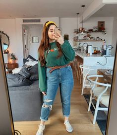 Daily Looks Archives - Page 4 of 22 - Noelle's Favorite Things Fat Girl Outfits, Curvy Outfits, Plus Size Outfits, Trendy Outfits, Jeans Outfit Winter, Mom Jeans Outfit, Looks Plus Size, Look Plus, Chubby Girl Fashion