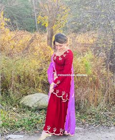 Stylish Dress Designs, Stylish Dresses, Formal Dresses, Patiala Salwar Suits, Punjabi Suits, Girls Fashion Clothes, Girl Fashion, Fashion Outfits, Iphone Offers