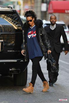 Rihanna in Manhattan (Nov 13)