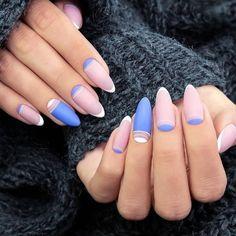 A legnépszerűbb francia manikűr 2020-ban: ötletek és színek - Confetissimo - női blog Cute Almond Nails, Short Almond Nails, Almond Nail Art, Almond Acrylic Nails, Spring Nail Colors, Nail Designs Spring, Spring Nails, Winter Nail Art, Winter Nails