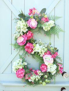 Make A Monogram Wreath